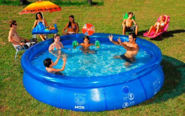 Piscina mor l agrola ador for Litros de una piscina